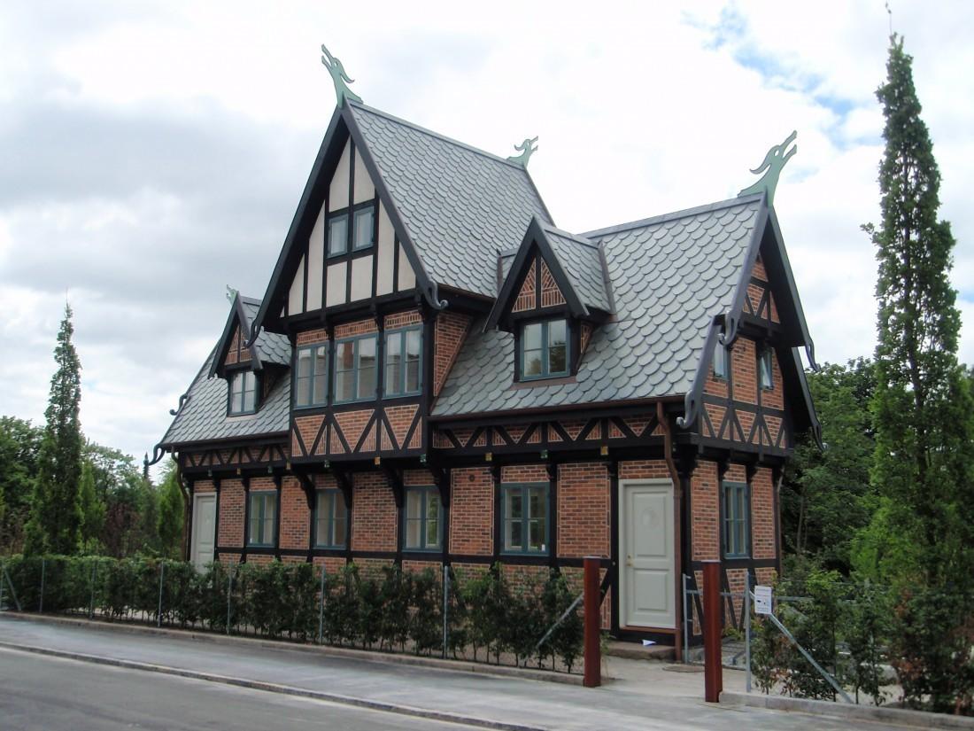 Nye Englund | Dragehuset, Onkel Toms hytte – div. billedskærerarbejde RE-44