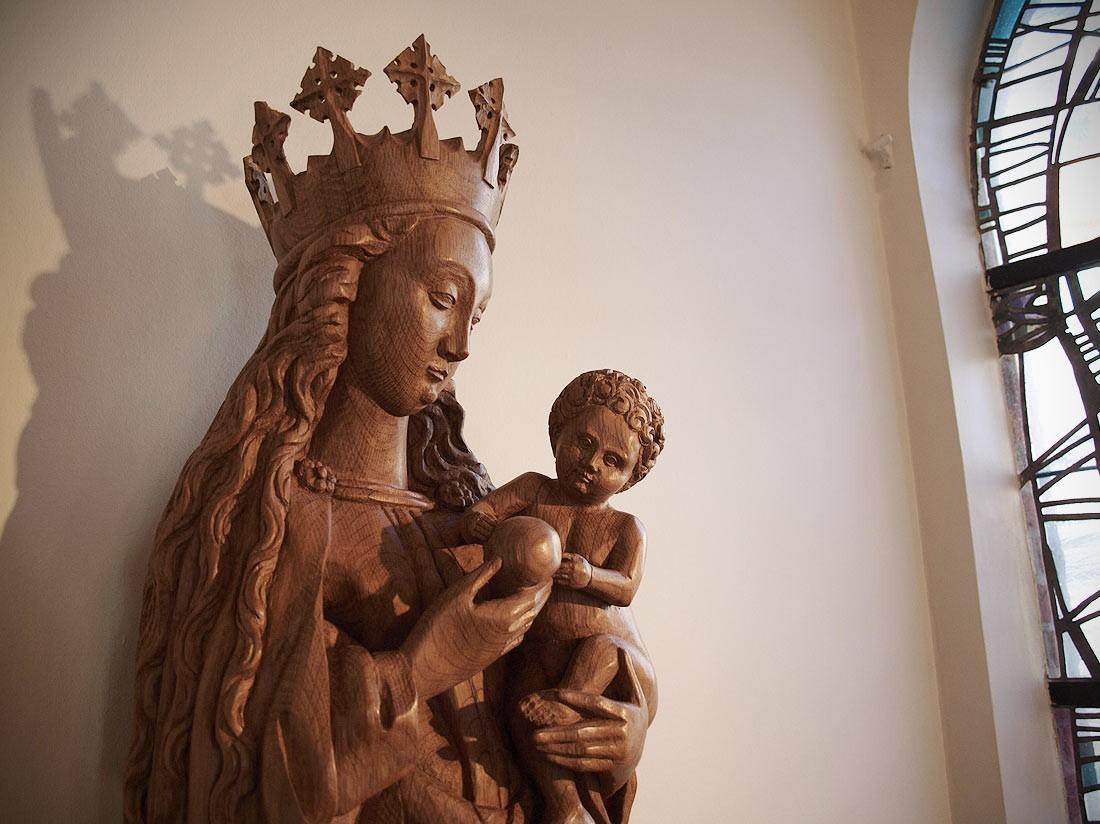 skulptur mm. til kirker, bevaringsværdige bygninger og private